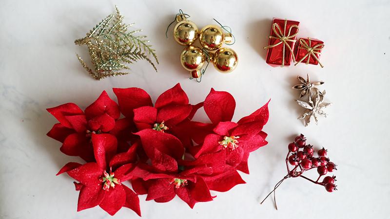 ポインセチアを使ったクリスマスリース(赤系)